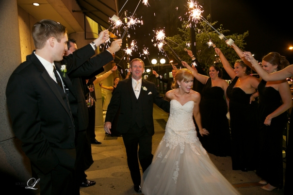 Sparklers, Signs and great ideas for a fun wedding photography!